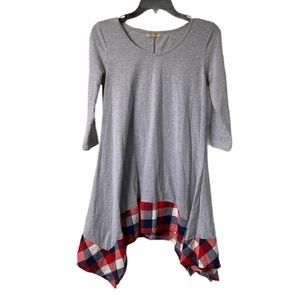 5/$20 Acevog gray and red plaid tunic, small
